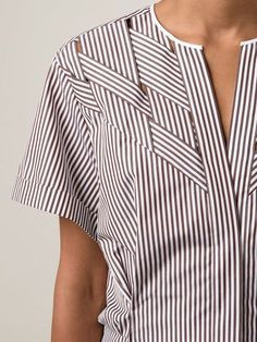 Love the details Nina Ricci Woven Striped Shirt – Capitol – – blouse Fabric Manipulation, Mode Inspiration, Morning Inspiration, Mode Style, Sewing Clothes, Refashion, Fashion Details, Blouse Designs, Ideias Fashion