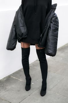 Classy outfit idea to copy ♥ For more inspiration join our group Amazing Things ♥ You might also like these related products: - Blazers & Suit Jackets. Edgy Outfits, Cute Casual Outfits, Winter Outfits, Fashion Outfits, Fashion Trends, Look Fashion, Winter Fashion, Street Fashion, Oversized Hoodie Outfit