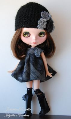 Blythe dark outfit dress  hat boots by juliettaexussetta on Etsy