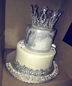 birthday cake inspiration ✨ Source by . Sweet 16 Birthday Cake, Beautiful Birthday Cakes, 21st Birthday Cakes, Beautiful Cakes, Amazing Cakes, 17th Birthday, Beautiful Gorgeous, Girl Birthday, Sweet 16 Cakes