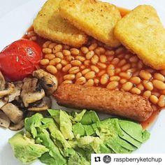 Lisa always has awesome breakfasts!!  #Vegan full English is a winner #tasty #healthy #nutritious #crueltyfree Repost @raspberryketchup  Vegan fry ups and tea make me happy - oh so British!  #breakfastofchampions #veganinspiration #veganuk #ukvegans #veganfood #vegansausage #veganfoodshare #veganfood #veganideas #veganfoodlovers #veganism #veganfoodspot #dairyfree #crueltyfree #plantbaseddiet #plantbased #veganlife #fueledbyplants #plantpower #veganfoodie #poweredbyplants #vegansofig…