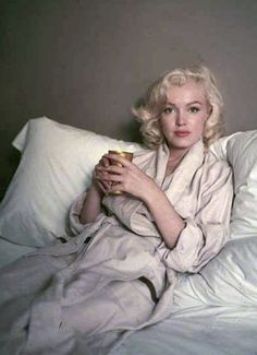 "Marilyn""Bed Sitting"" Photographed by Milton Greene 1953"