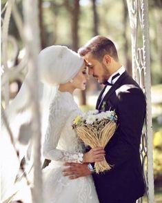 Nuray gelinim leti im i in 05447280042 dem bana ula abilirsiniz Couple Wedding Dress, Wedding Couples, Wedding Photos, Muslim Wedding Dresses, Wedding Hijab, Couple Hijab, Vintage Princess, Princess Wedding, Trendy Wedding