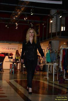 Vittoria Giovani collection on Targi Size+ (https://www.facebook.com/TargiSizePlus/photos/a.1490971544457943.1073741828.1488218938066537/1684199111801851/?type=1&theater)  fot. Roch Korybski