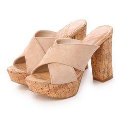 アールアンドイー R&E 【R&E】コルクチャンキーヒールワイドクロスストラップミュール (ベージュスエード) -靴とファッションの通販サイト ロコンド