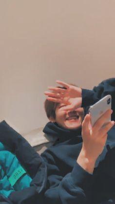 Luhan, Baekhyun Wallpaper, Exo Lockscreen, K Wallpaper, Kim Minseok, Exo Members, Chanbaek, Kpop Groups, My Sunshine