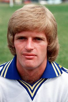Gordon McQueen of Leeds Utd in Leeds United Team, Manchester United, Classic Football Shirts, Vintage Football, Leeds United Wallpaper, The Damned United, Association Football, Most Popular Sports, Team Pictures