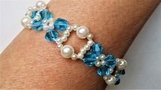 Crystal Bicone Beads Jewelry Tutorial.  Pearls and Bicone Beads Bracelet