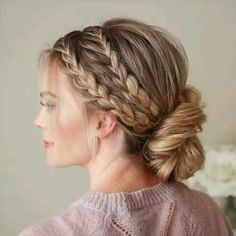 Nice tutorial for braided hair. DIY hairstyle Related posts: Sweet Braid Tutorial Bohemian Page Braid Festival Hair Tutorial Wonderful Valentino Inspired Double Braid Updo Tutorial … Holiday Hairstyles, Elegant Hairstyles, Wedding Hairstyles, Homecoming Updo Hairstyles, European Hairstyles, Prom Hair Updo, Halloween Hairstyles, Summer Hairstyles, Straight Hair