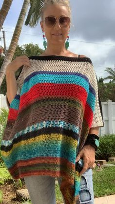 Streetwear Fashion 2020 With a cool a cool bohemian vibe this reversible poncho is wonderfully unique and one of a kind.Streetwear Fashion 2020 With a cool a cool bohemian vibe this reversible poncho is wonderfully unique and one of a kind. Boho Crochet Patterns, Crochet Tunic Pattern, Poncho Knitting Patterns, Bohemian Pattern, Knitting Ideas, Knitting Yarn, Crochet Fashion, Boho Tops, Lace Tops