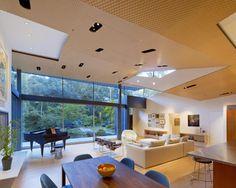 Diseño de Interiores & Arquitectura: Colocado entre una Corriente y una Ladera Empinada: Residencia Ross en California