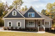 Traditional Exterior - Front Elevation Plan #927-26 - Houseplans.com