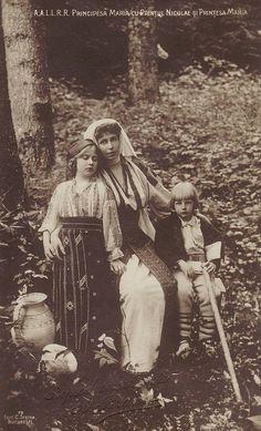 Crown Princess Marie of Romania w. Princess Victoria, Queen Victoria, Romanian Royal Family, Princess Alexandra, European History, Royal Weddings, Ferdinand, Old Pictures, Vintage Photos