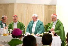 """Sociotecnia Católica: El Papa: Oración no es magia y no rezamos a un """"Dios cósmico"""" sino a un Padre cercano"""