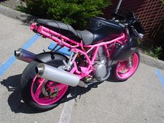 ok... this is done very badly... Its really horrible.. But I have been toying with the idea of making part of my bike pink...   Just not anything like this...