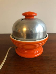 Hankscraft Fiestaware Electric Egg Poacher