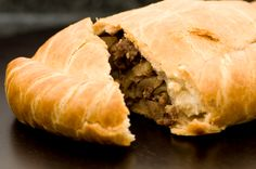 Pasties - the best are from Muldoon's UP soul food Cornish Pastry, Low Carb Recipes, Beef Recipes, Sammy, Good Food, Yummy Food, English Food, English Recipes, Tasty Kitchen