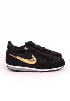 NIKE - CHALLENGER, BLACK/GOLD. I could get on board with these.