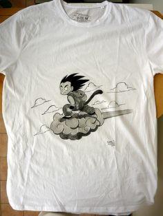 Goku bambino con la nuvola kinto #paintonfabric #handmade #paintbrush #tshirt #onsale #goku #dragonball #cloud #manga #fanart #fanmade #artoftheday #lovefordrawing #colorful #dariodevito #echoesofcolors