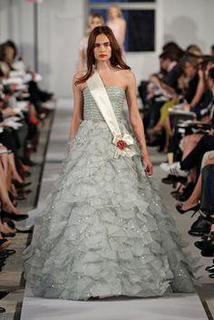 Oscar de la Renta Resort 2012 Fashion Show - Anastasia Khodkina