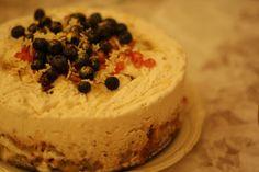 Nødde- og karameldrøm islagkage Ice Cake, Sorbet, Mousse, Cheesecake, Deserts, Ice Cream, Pudding, Sweets, Food