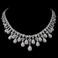 Indian Jewelry Sets, Royal Jewelry, India Jewelry, Luxury Jewelry, Vintage Jewelry, Fine Jewelry, Diamond Necklaces, Diamond Pendant Necklace, Diamond Jewelry