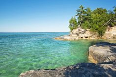 Lake Superior Photo on Facebook  Friday fun fact - there are almost 2800 miles of Lake Superior shoreline, the equivalent of driving from Duluth, MN. to Miami, Fla. - lots of shore to explore