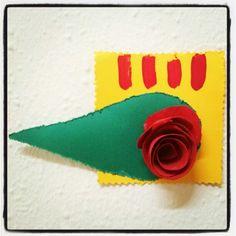 Roses de Sant Jordi. Manualitats. Reciclatge. #CosesDeFeina Diada de Sabt Jordi 2014. 23 d'abril.