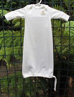 Gown with Anti Scratch Mitt 100% premium New Zealand merino wool