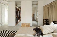 商店街に建つ築43年のビルをパリのアパルトマン風の住まいに大変身(2/4) - 快適リノベLIFE - NIKKEI 住宅サーチ