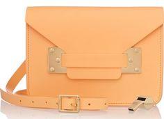 sac envelope en cuir orange pastel sophie hulme