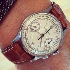 My passion is rarity, beauty and condition... And this one stands alone # #Patek #130 in #steel circa #1942 with gorgeous untouched #indelible über-rare #pulsometer 'long signature' dial . Case, movement and dial incredible #unpolished #untouched condition. ❤️