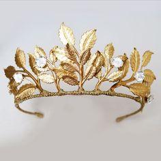 gold leaf bridal crown from www.nancyandflo.com