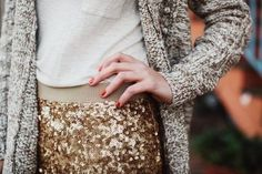 Never knew what to wear with my sequence skirt. Cute Fashion, Look Fashion, Classy And Fabulous, Playing Dress Up, Her Style, Autumn Winter Fashion, Winter Style, Passion For Fashion, Dress To Impress