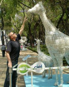 bricolage avec des bouteilles en plastique, sculptures géantes d animaux
