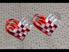 Learn to make a ribbon heart hair clip for Valentine's Day. Fun and easy project to make in minutes with just a little bit of ribbon, glue and a hair clip. Ribbon Art, Diy Ribbon, Ribbon Crafts, Ribbon Bows, Diy Crafts, Making Hair Bows, Diy Hair Bows, Diy Bow, L'art Du Ruban