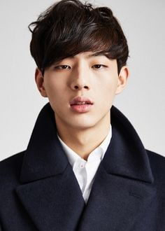 A dedication post to actor Ji Soo who is currently on Angry Mom as Go Bok Dong, a high school student with a troubled past and an attitude to match. He's great and I'm fangirling hard right now.