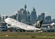 United Airlines Boeing 747-400 'STAR ALLIANCE' titles