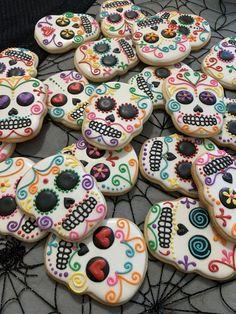Halloween Cookie Recipes, Halloween Cookies Decorated, Halloween Sugar Cookies, Halloween Desserts, Halloween Treats, 29th Birthday Cakes, Birthday Cookies, Cupcake Cookies, Cake Decorating Tips