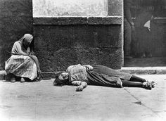028_Tina Modotti, Miseria, Messico, 1928,.jpg -