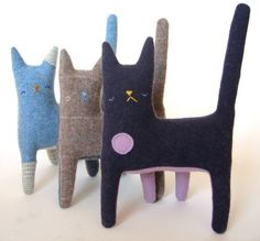 Cats need 4 legs Sewing Projects For Kids, Sewing Crafts, Cat Lover Gifts, Lovers Gift, Cat Lovers, Animal Gato, Handmade Soft Toys, Cat Cushion, Cat Doll