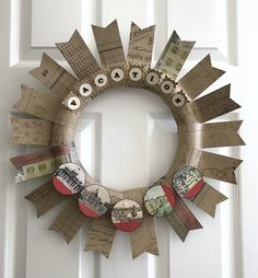 paper vacation wreath with iron on letters Balloon Lanterns, Balloons, Airplane Party Favors, Iron On Letters, Wreath Forms, Flags Of The World, Travel Themes, Diy Wreath, Diy Paper