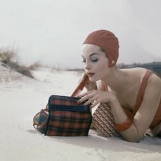 Marie … Vogue, 1956 … Close-up of model on beach wearing red bathing cap by Kleinert, swim-suit, Glamour Beauty Kit … Beach Images, Swim Caps, Vintage Fashion Photography, Look Vintage, Vintage Vogue, Vintage Beauty, Bathing Beauties, Look At You, Retro Fashion