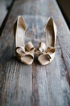 Valentino Bow Tipped Heels #valentino #heels #bows #wedding #shoes