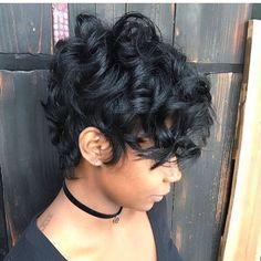 New Bob Haircuts 2019 & Bob Hairstyles 25 Bob Hair Trends for Women - Hairstyles Trends Corte Pixie, Pelo Pixie, Short Sassy Hair, Short Hair Cuts, Short Hair For Curly Hair, Curly Pixie Cuts, Long Pixie, Curly Hair Styles, Natural Hair Styles
