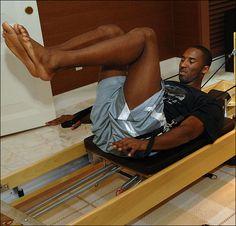 Kobe Bryant of the USA Basketball Men's Senior National Team during his pilates workout at training camp. Pilates For Men, Pilates Body, Pilates Reformer Exercises, Pilates Workout, Fitness Pilates, Pilates Training, Pilates Video, Pilates Instructor, Pilates Studio