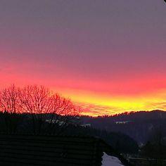 Emmental on Instagram  #afterglow #abendrot #emmental #switzerland #swiss #wow #cloud #tree #schweiz #wollke #baum #yellow #red #orange #purple #bunt #gelb #rot #violett #berge #horizont #mountain #horizontal #today #winter #winterzeit #wintertime #snow - @___simona_7