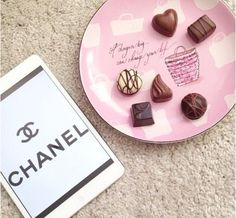 Imagem de chanel, chocolate, and pink