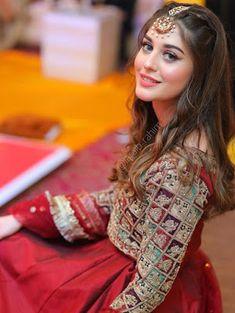 Pakistani Fashion Party Wear, Pakistani Wedding Outfits, Pakistani Dresses Casual, Indian Bridal Outfits, Pakistani Dress Design, Pakistani Bridal Makeup, Fancy Dress Design, Bridal Dress Design, Stylish Dress Designs