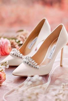 6 Fascinating Cool Tricks: Shoes Vintage I Love shoes drawing jimmy choo.Adidas Shoes Trainers shoes for girls age Drawing Jimmy Choo. White High Heels, Prom Heels, Wedding High Heels, Bride Shoes, Jimmy Choo Shoes, Beautiful Shoes, Pretty Shoes, Comfortable Shoes, Designer Shoes